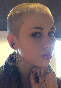 Short Hair Beauty — Good look for her? http://ift.tt/1LAplcs