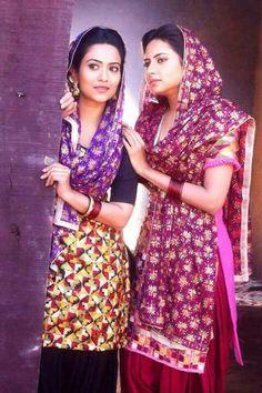 Lovely pulkhari suit and dupatta Indian Suits, Indian Attire, Indian Dresses, Indian Wear, Indian Clothes, Kurta Pajama Punjabi, Punjabi Dress, Punjabi Suits, Bridal Outfits