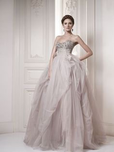 Wedding Dress - Belle the Magazine . The Wedding Blog For The Sophisticated Bride