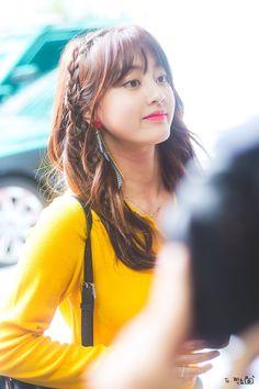 Jihyo - Twice Nayeon, Kpop Girl Groups, Korean Girl Groups, Kpop Girls, K Pop, Park Ji Soo, Jihyo Twice, Twice Once, Dahyun