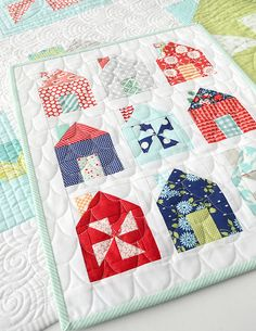 Mini Quilt Dwell by Camille Roskelley Small Quilts, Mini Quilts, Baby Quilts, Quilting Projects, Quilting Designs, Sewing Projects, Quilting 101, Modern Quilting, Patchwork Quilting