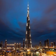 Repost de una de mis fotos favoritas de #Dubai #mydubai #Burjkhalifa (en Burj Khalifa)