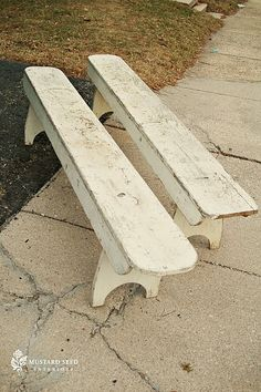great style to these benches!