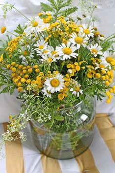 Flower Arrangement - yellow, white, green - VIBEKE DESIGN