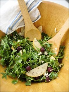fancy schmancy arugula salad with feta, asian apple pears and grapes.