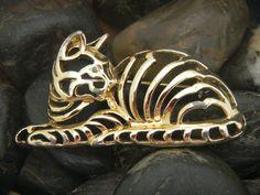 Vintage Danecraft Gold Tone Cat Brooch