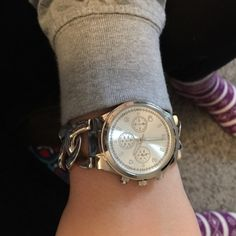 Micheal Kors look alike watch Marley Lilly. Plastic protector is still on face and  back of watch. Comes with extra links. Needs battery. Walmart can replace it for no more than $5 Accessories Watches