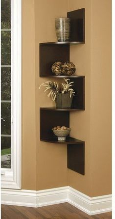 Building some DIY corner shelves might be a great idea for your next weekend project. Corner shelves are a smart solution for your small space. If you want to have shelves but you don't want to be too much on . Corner Shelf Design, Diy Corner Shelf, Corner Wall Shelves, Wall Shelves Design, Glass Shelves, Corner Bookshelves, Floating Corner Shelves, Tv Wall Design, Home Decor Shelves