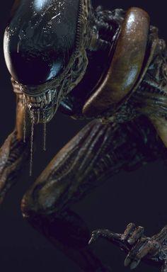 The Runner by Alex Vasin via Alien vs. Predator Galaxy