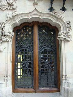 Lacy door