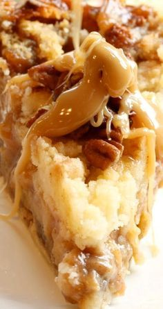 Sticky Toffee Pudding Apple Pie ~ Decadent and delicious A delicious apple pie with a caramel drizzle Apple Desserts, Apple Recipes, Just Desserts, Delicious Desserts, Yummy Food, Sticky Toffee Pudding Cake, Toffee Cake, English Dessert Recipes, Homemade Toffee