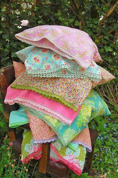 such pretty pillowcases