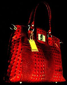 100% GENUINE ITALIAN COW LEATHER BAG IN CROCODILE STYLE- NELSON MONUMENT-RED;NR. #THWORLDTRADES #TotesShoppers