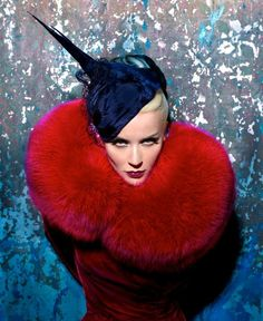 Daphne Guinness by Markus & Indrani for Muse Magazine (Winter Issue), styling by GK Reid . Related Post: Daphne Guinness for Tatler Hong Kong Daphne Guinness, Tim Walker, Muse Magazine, Red Fur, Fru Fru, Mode Style, Lady In Red, Style Icons, Editorial Fashion