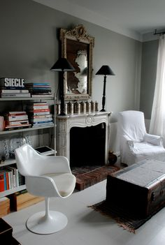 Those two chairs together, the antiqued silver, the moody walls - perfect! desiretoinspire.net - Marianne Evennou