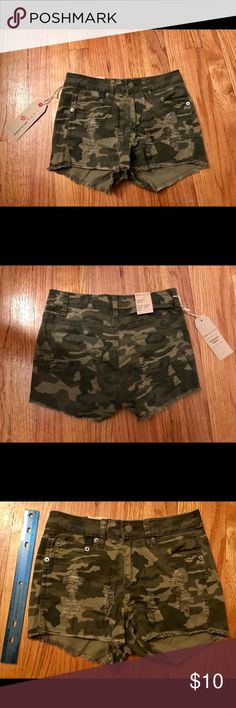 Camo Short Shorts - Distressed Camo Shorts - Never Worn - Runs Small ( I Was Deceived In Sizing Which Is Why I Am Selling It. I Took Pictures Of The Shorts Next To A Standard 12 Inch Ruler So Nobody Else Gets Deceived) - 97% Cotton / 3% Spandex - Machine Washable Shorts