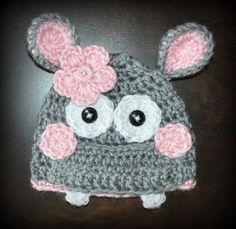 Dies ist eine brandneue Custom Made Gray & Rosa Baby Tutu Kleid mit einem passenden Nilpferd-Hut und grauen & Rosa Slipper Schuhe. Es ist ein ideal für den Einsatz als Foto Prop oder Kostüm.  Es ist handgefertigt aus weichem 100 % Acryl-Garn in eine saubere, rauchfreie Umgebung.