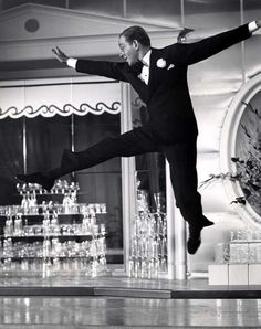 American dancer and film star Fred Astaire - executes some intricate steps among the glasses on a bar in the RKO Radio musical comedy 'The Sky's the Limit', Hollywood Songs, Old Hollywood Glam, Golden Age Of Hollywood, Classic Hollywood, Gene Kelly, Fred Astaire, Tap Dance, Just Dance, Nebraska