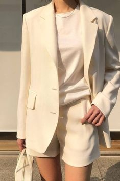 white shorts suit perfect for spring-summer #minimalisam