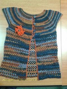Angelica lucreaza: bolero crosetat Crochet Clothes, Sweaters, Fashion, Moda, Fashion Styles, Fasion, Sweater, Sweatshirts