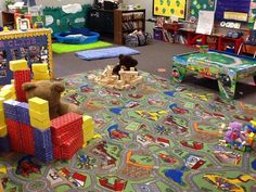 We read Goldilocks and the Three Bears. Then I had my preschoolers work in small groups to build a house for each bear. We compared sizes and figured out which size block we would need for each bear. Preschool Weekly Themes, Preschool Art, Preschool Activities, Valentines Day Teddy Bear, Teddy Bear Day, Traditional Tales, Traditional Stories, Dramatic Play Themes, Fairy Tale Activities