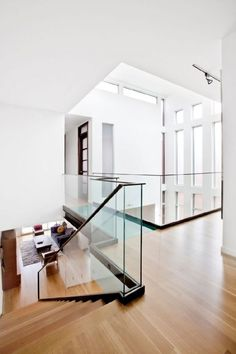 Amazing Sleek Modern Glass Railing Stair Design Ideas 46 Modern Stairs Amazing D Modern Stairs Amazing Design Glass Ideas Modern Railing Sleek Stair stairs freistehend Modern Railing, Modern Stairs, Railing Design, Staircase Design, Railing Ideas, Stair Design, Walkway Ideas, Glass Stairs, Glass Stair Railing