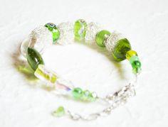 bracelet handmade with jewelry wire glass pearls.