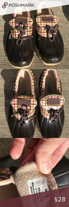 Sperry duck shoes Lined plaid top siders purple plaid is light purple and brown stripes; very good condition shoes; smoke free home. Sperry Duck Shoes, Bootie Boots, Ankle Boots, Top Sider, Light Purple, Sperrys, Stripes, Smoke Free, Plaid