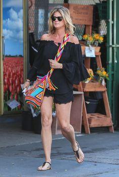 Rachel Hunter Leggy Shopping At Bristol Farms In West Hollywood
