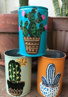 Hand painted tin cans, repurpose pots. Painted Tin Cans, Painted Clay Pots, Painted Flower Pots, Paint Cans, Hand Painted, Coffee Can Crafts, Tin Can Crafts, Diy And Crafts, Arts And Crafts