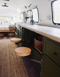 RV Renovator - Find a renovated RV or have yours customized!