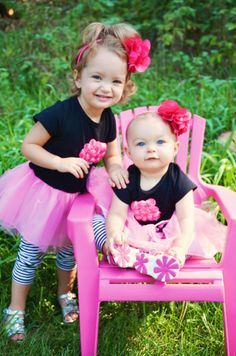 @Kara Hauenstein, #sisters ~  By Jennifer Bennethum of 'JenniLynn Photography'   Way too adorable for words.