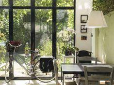 5 chambres d'hôtes pas chères à Paris Hotel Paris, Paris Hotels, Paris Tips, Decoration, Windows, Arrondissement, Voici, Comme, Mars