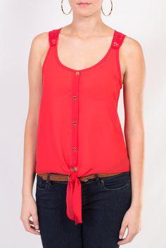 Mira esta fantástica blusa naranja sin mangas, con un pequeño nudo al frente.