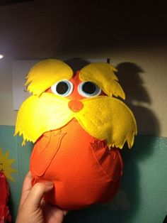 DIY Project: The Lorax Plushie Book Activities, Preschool Activities, The Lorax Book, Sewing Projects, Projects To Try, Baby Birthday, Diy Toys, Plushies, Owls
