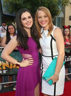 Look at the smiles on our #SwitchedatBirth girls!