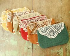 Small doily clutch purse, upcycled emerald green zip purse, vintage crochet - by Redtreedesigns on madeit