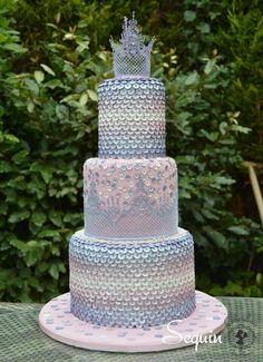 Sequin and lace crown cake Pastel Wedding Cakes, Tall Wedding Cakes, Pastel Cakes, Purple Cakes, Lilac Wedding, Gorgeous Cakes, Pretty Cakes, Amazing Cakes, Tiara Cake