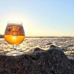 """@tornionpanimo on Instagram: """"Väylä on jälleen vapaa jäistä ja pauhaa uhmakkaasti! #Tornionpanimo #Handcraftedinlapland #Kukkolankoski #auringonlasku #Lapland"""" Beautiful Scenery, Most Beautiful, Beautiful Places, Alcoholic Drinks, Traveling, Beer, Wine, Glass, Nature"""