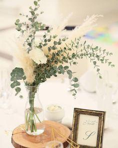 【タイプ別】ナチュラル派?ロマンチック派?最新ゲストテーブル装花のアレンジまとめ | marry[マリー] Beach Wedding Centerpieces, Wedding Table, Diy Wedding, Rustic Wedding, Wedding Decorations, Wheat Wedding, Floral Wedding, Wedding Flowers, Wedding Toasts