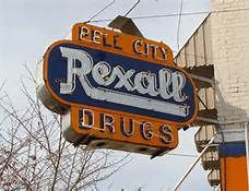 Landmark sign in historic downtown Pell City--building now houses El Cazador Mexican restaurant. Pell City Alabama, Moving Across Country, Fort Payne, Mountainous Terrain, Favorite Son, Vintage Neon Signs, County Seat, Sweet Home Alabama, My Heart Is Breaking