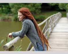 red dreads 25 Mind Blowing Dreadlock Hairstyles These are so beautifully cared for. Perfect!