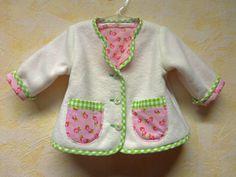 Babyjacke zum Dirndlchenchen, Fleecejacke, Janker von NaehereiAllerlei auf DaWanda.com
