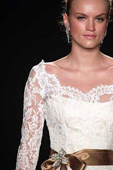 Monique L'Huillier Formal Wedding, Wedding Ideas, Here Comes The Bride, Hope Chest, Christmas Wedding, Wedding Dresses, My Style, Lace, Tops