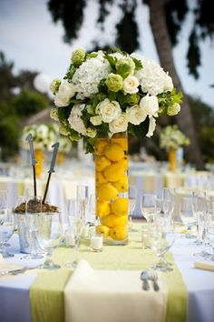 Décoration de mariage jaune Adding fresh whole fruits into your centerpieces is the perfect way to bring a little summer into your reception. Lemon Centerpieces, Wedding Centerpieces, Wedding Table, Wedding Decorations, Table Decorations, Centrepieces, Diy Decoration, Summer Wedding, Our Wedding