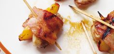 Another fab ap - Chicken, Peach and Bacon Bites - hmmm yummy! Peach Appetizer, Yummy Appetizers, Appetizer Recipes, Chicken Bites, Chicken Wraps, Bacon Bites Recipe, Ricardo Recipe, Bacon Wrapped Chicken, Lard