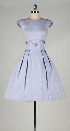 vintage 1950s dress . lilac cotton . embossed by millstreetvintage #vintagedress #vestidosvintage