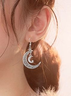 This is a beautiful and stylish pair of dangling star and moon earrings. A great everyday pair of earrings that match many outfits and add much style to your look! Gypsy Style, Hippie Style, Hippie Boho, Boho Style, Bohemian Look, Modern Boho, Hobo Chic, Boho Life, Beautiful Friend
