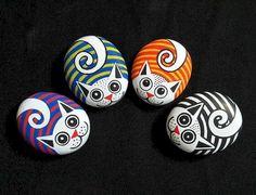 52 Best DIY Painted Rocks Remodel Ideas Perfect For Beginners (65) Pebble Painting, Pebble Art, Stone Painting, Diy Painting, Pumpkin Painting, Rock Art Painting, Painting Tutorials, Painted Rock Animals, Hand Painted Rocks