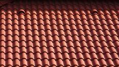 Klasszikus hullámaival már ma is hódít a holnap tetője. A Terrán Danubia cserép Colorsystem színvédelemmel és Resistor felületkezeléssel.  Lágy hullámvonalaival illeszkedik a magyarországi tájakhoz. A holnap tetőmegoldása a hagyományos formák és színek kedvelőinek. 5 különböző stílusban
